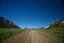 Free Road To The Mountains Royalty Free Stock Image - 20388526