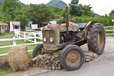 Free Old Tractor Stock Photography - 20389452