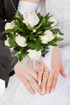 Free Hands With Rings And Wedding Bouquet Stock Images - 20390034