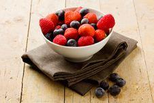 Free Berries Royalty Free Stock Photo - 20391485