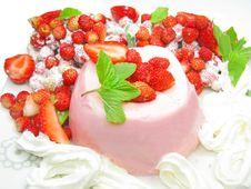 Free Fruit Dessert With Pudding Stock Photos - 20391723
