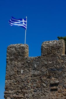 Free Greek Flag On Fort Royalty Free Stock Photo - 20392185