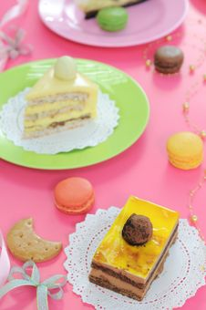 Free Colorful Dessert Party With Many Cakes Royalty Free Stock Photography - 20396097