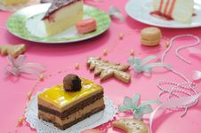 Free Colorful Dessert Party With Many Cakes Royalty Free Stock Photo - 20396185