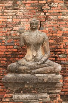 Free Ruined Statue Of Buddha, Ayuthaya, Thailand. Royalty Free Stock Images - 20396469
