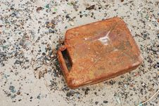 Free Old Rusty Canister Royalty Free Stock Images - 20397449