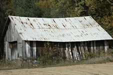 Free Old Barn Royalty Free Stock Image - 2041196
