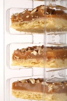 Free Pecan Caramel Shortbread Cakes Royalty Free Stock Images - 2041909