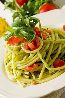 Free Pasta With Arugula Pesto And Cherry Tomatoes Stock Image - 20400421