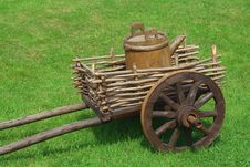 Free The Cart With The Barrel Royalty Free Stock Images - 20404709