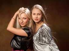 Free Two Pretty Women Stock Images - 20407064