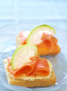 Free Smoked Salmon And Cream Cheese On White Bread Stock Images - 20409864