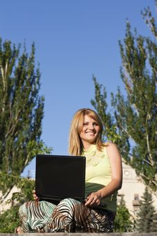 Free The Girl With Laptop On Outdoor Stock Photography - 20411082