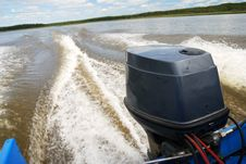 Free Outboard Motor Boat On The River Stock Images - 20412444
