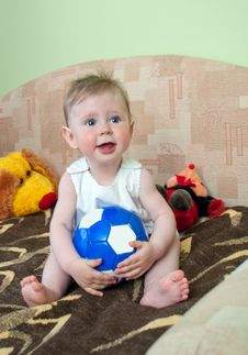 Free Girl With Ball Stock Photo - 20413060