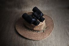 Free Binocular. Royalty Free Stock Images - 20413929