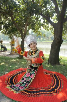 Free Woman In Chinese National Dress Royalty Free Stock Photo - 20415415