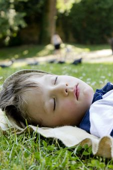 Free Sleeping Boy Royalty Free Stock Images - 20417899