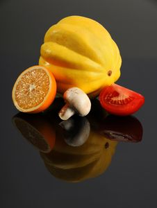 Free Fresh Produce On Reflective Table Stock Images - 20420784