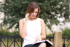Free Woman Calling By Phone Stock Photography - 20425142