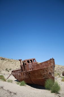 Free Ship In The Desert Royalty Free Stock Image - 20431576