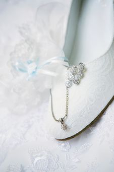 Free Wedding Shoe Royalty Free Stock Photo - 20431675