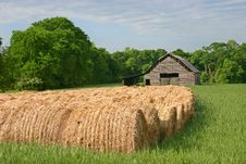 Free Hay Rolls & Barn Royalty Free Stock Photos - 20433518