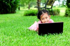 Free Funny Girl With A Laptop In The Park Royalty Free Stock Photos - 20433978