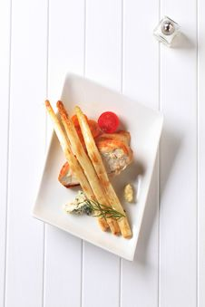 Pan Fried Chicken Breast And Asparagus Royalty Free Stock Photo