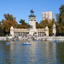 Free Monument Royalty Free Stock Photo - 20438175