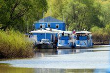 Free River Navigation On Oka. Royalty Free Stock Photos - 20438948