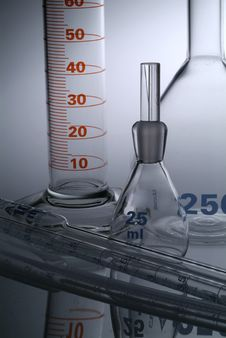 Free Chemistry Recipient In A Laboratory Ambiance Royalty Free Stock Photos - 20439438