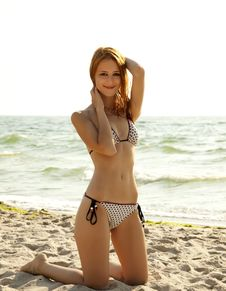 Free Girl On The Beach. Stock Photo - 20444690