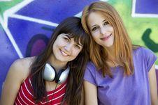 Free Two Girlfriends Near Graffiti Wall. Stock Photos - 20445583