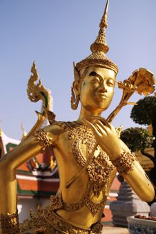 Free Gold Sculpture With Flower Stock Photography - 20446372
