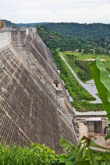 Free Concreat Dam Royalty Free Stock Image - 20448356