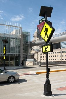 Free Pedestrian Crossing Sign In A Downtown Area Royalty Free Stock Photography - 20448457