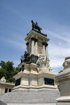 Free Monument In Madrid Royalty Free Stock Images - 20450139