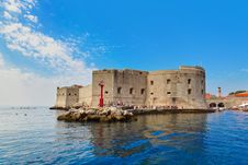 Free Fort At Town Dubrovnik In Croatia Royalty Free Stock Photography - 20454547