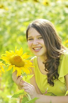 Free Beauty Teen Girl And Sunflowers Stock Image - 20457661