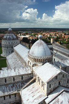 Free Leaning Tower Of Pisa Cathedral Stock Image - 20461001
