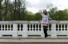 Free Blonde Girl Is Leaning On Railing Stock Photography - 20461622