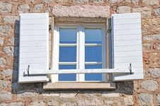 Free Open Mediterranean Window Royalty Free Stock Images - 20462789