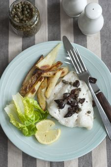 Free Fish And Chips Royalty Free Stock Photo - 20463435