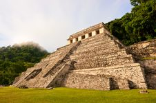 Free Maya Pyramid At Palenque, Mexico. Royalty Free Stock Images - 20465519
