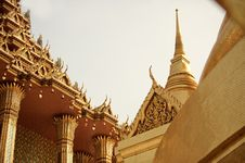 Free Gold Temple Architecture Royalty Free Stock Images - 20468489