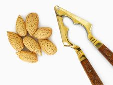Free Almonds And Cracker Royalty Free Stock Photography - 20469857
