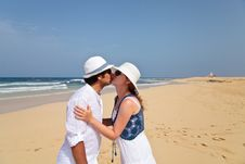 Free Kissing Honeymooners On A Beach Stock Images - 20472004