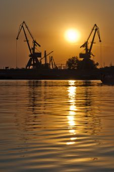 Free Sunset Cranes Royalty Free Stock Images - 20476659