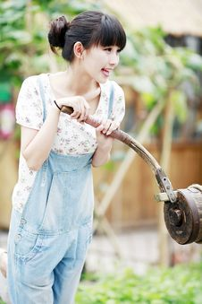 Free City Girl In The Countryside Royalty Free Stock Images - 20478199